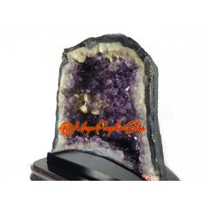 Amethyst Quartz Crystal Geode (S)