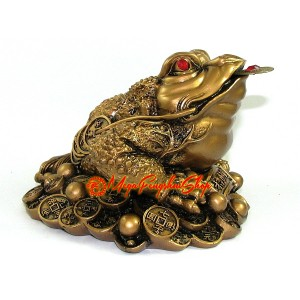 Feng Shui Good Fortune Three Legged Toad (L)