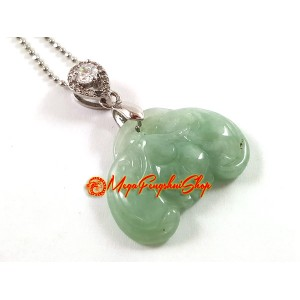 Jade Bat Pendant (High Grade)