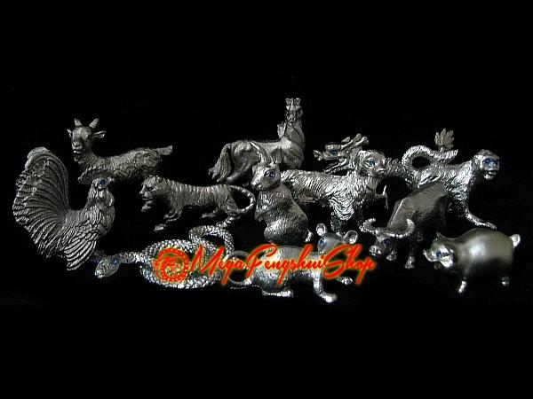 Jade Crafted Chinese Zodiac Horoscope Animal Piggy Pendant Feng-Shui Necklace